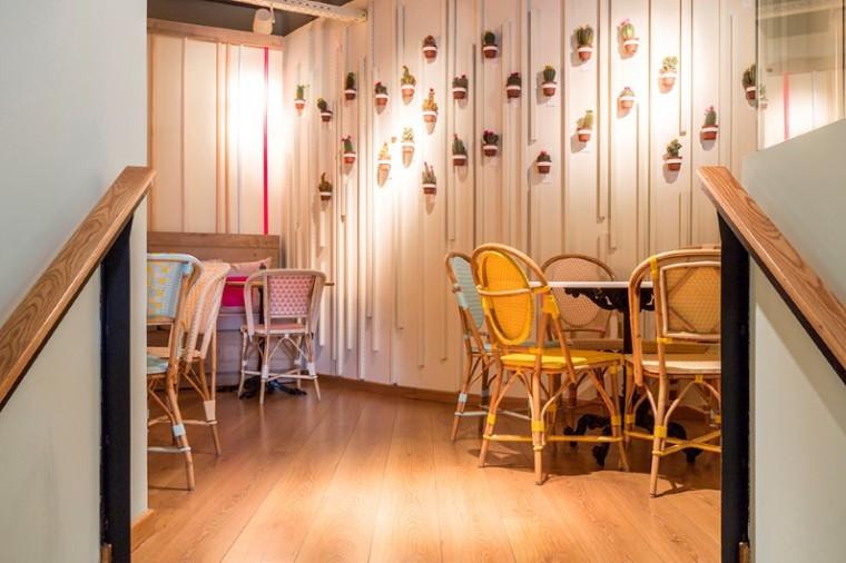 interiors-cafe-by-spanish-designer-parolio